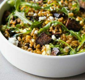 Salade de farro et de figues de Californie
