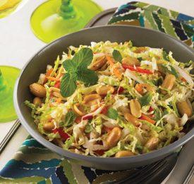 Salade de chou napa, fenouil croquant et arachides