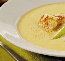 Soupe de poire rôtie et courge avec croûtons au parmesan