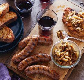 Saucisses grillées avec confiture de figues et d'oignon